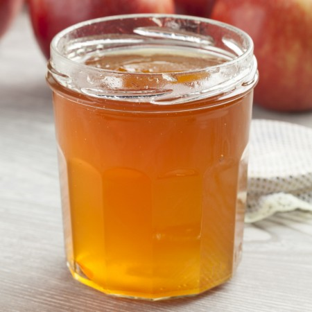 Homemade Spiced Apple Jelly